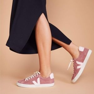 Veja Esplar Dried Petale Suede Sneaker